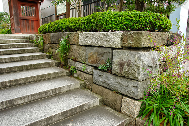 22 Practical And Pretty Retaining Wall Ideas Trees Com