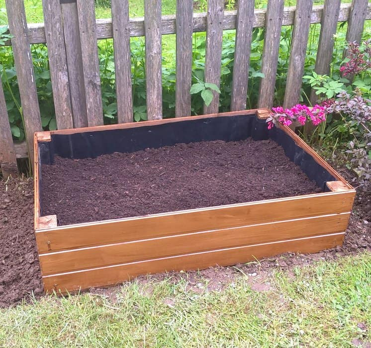Neat Classic Raised Bed Planting Box