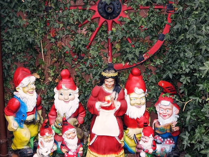 Snow White and the Seven Dwarfs Movie lay in restoring the glory of garden gnomes