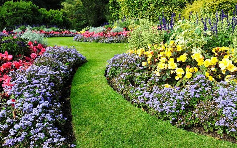 25 Beautiful Flower Bed Ideas | Green and Vibrant on Flower Bed Ideas Backyard id=76090
